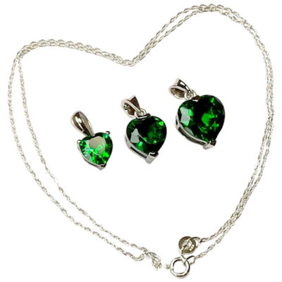Emeralds_with_silver_chain